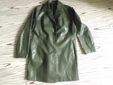 M&S málo použitý koženkový kabát eur 44/XL