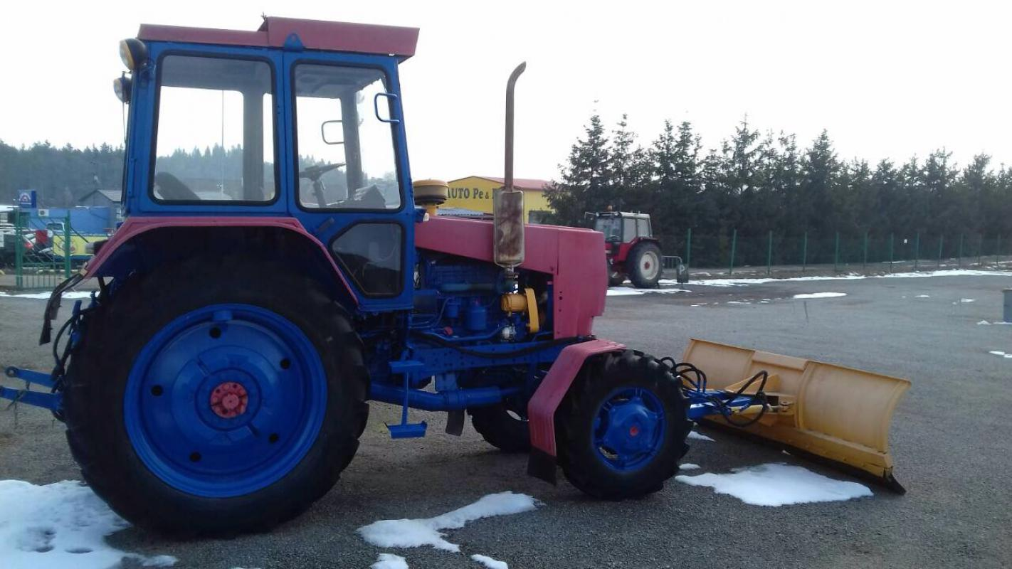 Traktor BELARUS 60 (60 k)+ČELNÍ SNĚHOVÁ RADLICE