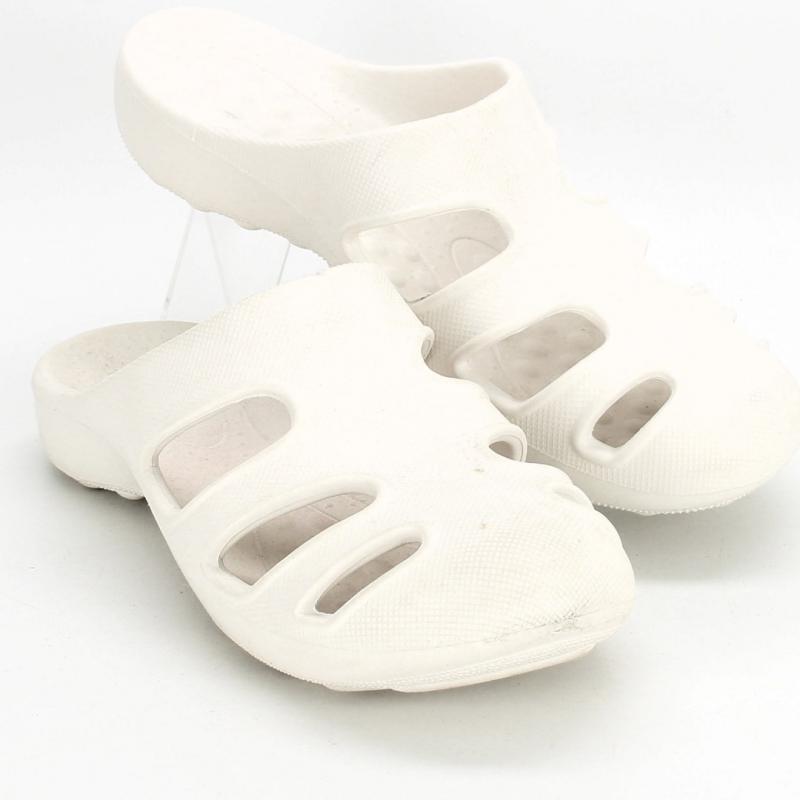 Pánské nazouváky bílé