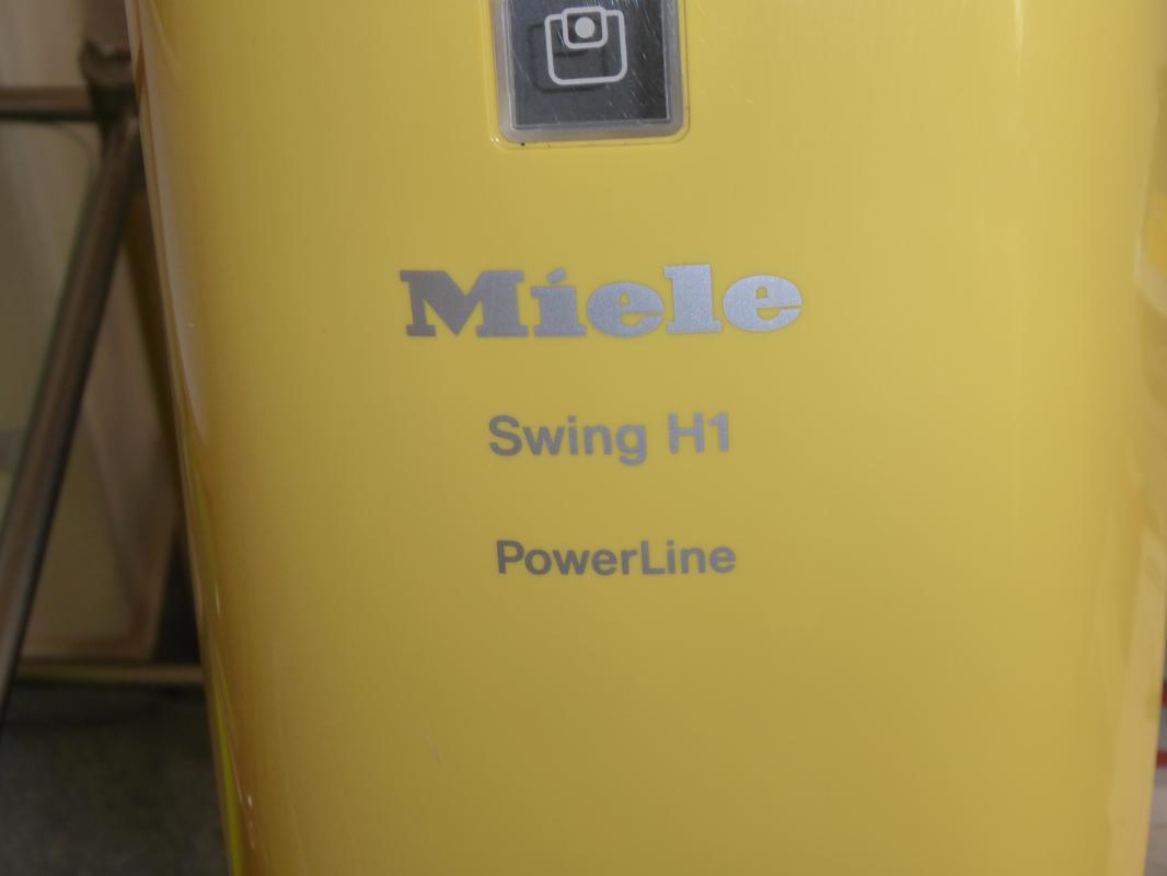 Prodám SWIHG H1 MIELE tyčový vysavač
