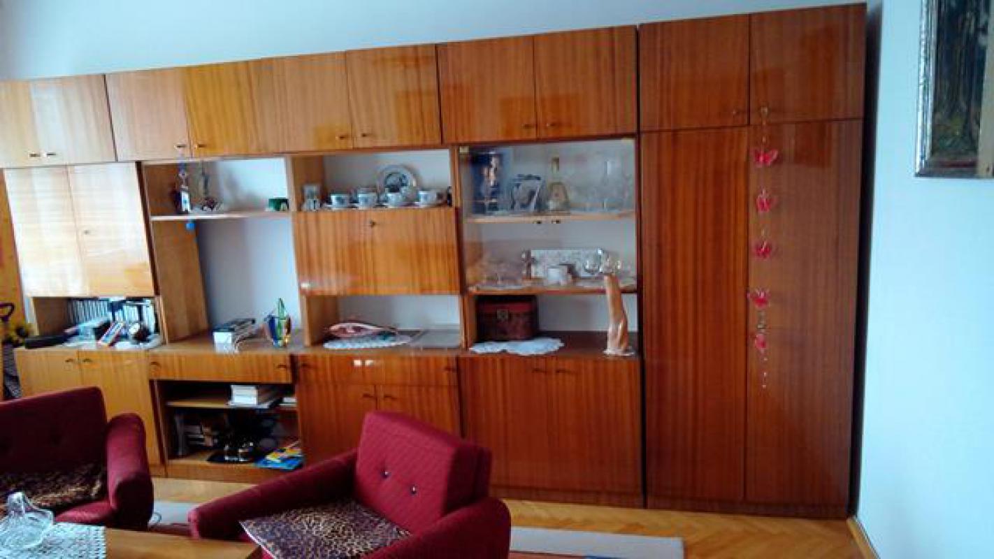 Retro obývací stěna