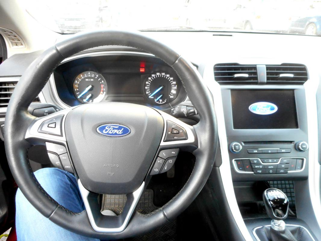 Prodám Ford Mondeo 1,5 (2016, 28.700 km)