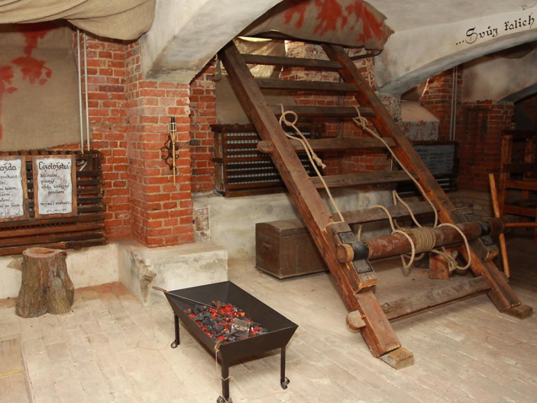 Prodám expozici středověké mučírny