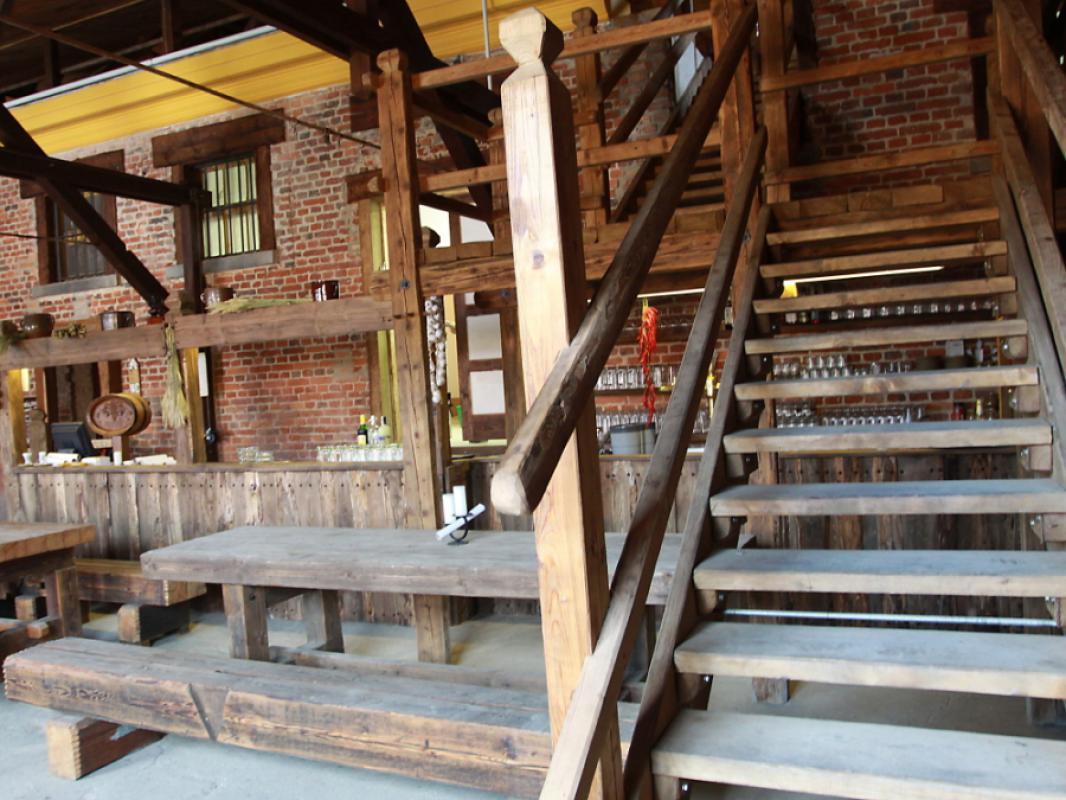 vrata a schodiště