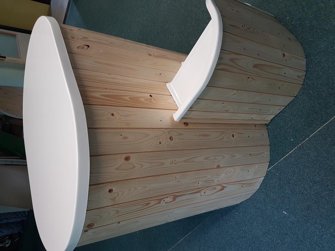 Ochlazovací káď k sauně,schody